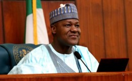 Mob loots Dogara's house in Jos