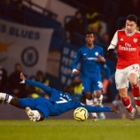 10-man Arsenal fight back at Stamford Bridge