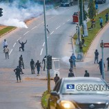 Police Fire Teargas At #EndSARS Protesters In Abuja